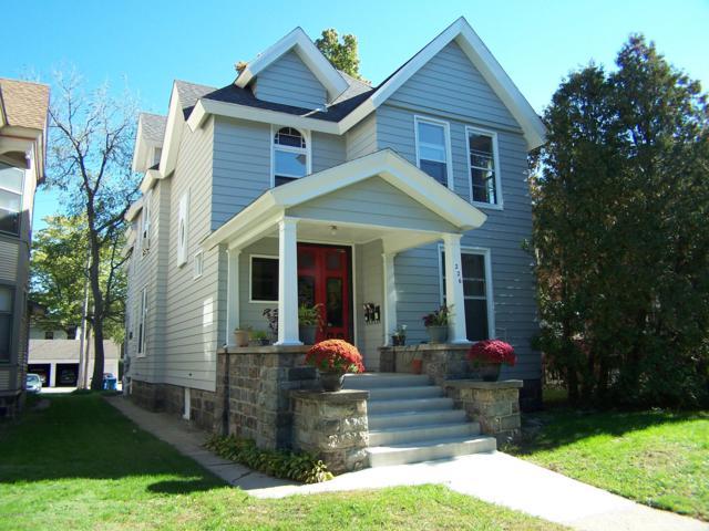 226 Lafayette Avenue NE, Grand Rapids, MI 49503 (MLS #18051530) :: JH Realty Partners