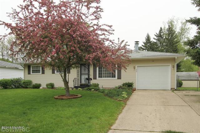938 N Washington Avenue, Battle Creek, MI 49037 (MLS #18051727) :: Matt Mulder Home Selling Team