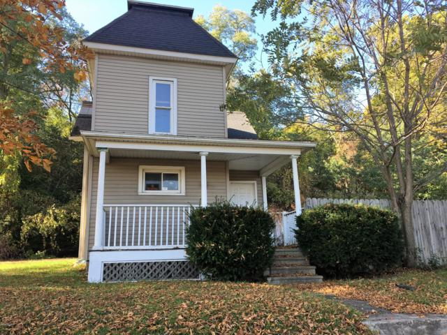 192 Riverside Drive, Battle Creek, MI 49015 (MLS #18051740) :: Matt Mulder Home Selling Team