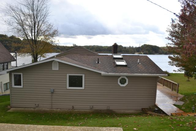 4911 Lakefront Drive, Delton, MI 49046 (MLS #18051900) :: Matt Mulder Home Selling Team