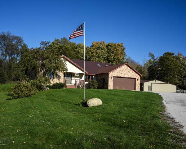 5788 N Jebavy Drive Hamlin Lake, Ludington, MI 49431 (MLS #18051901) :: Matt Mulder Home Selling Team
