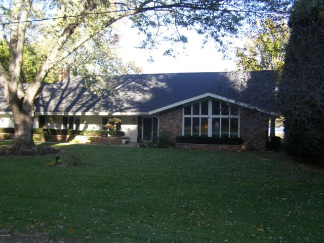 1949 Ferndale Drive, Hillsdale, MI 49242 (MLS #18051902) :: Matt Mulder Home Selling Team