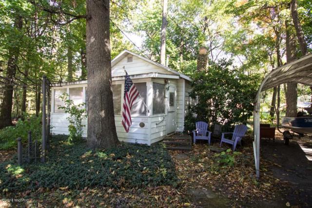 93195 Wolf Drive, Dowagiac, MI 49047 (MLS #18051948) :: Matt Mulder Home Selling Team