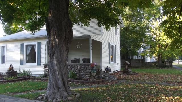 205 N Walker Street, Bronson, MI 49028 (MLS #18052024) :: Deb Stevenson Group - Greenridge Realty
