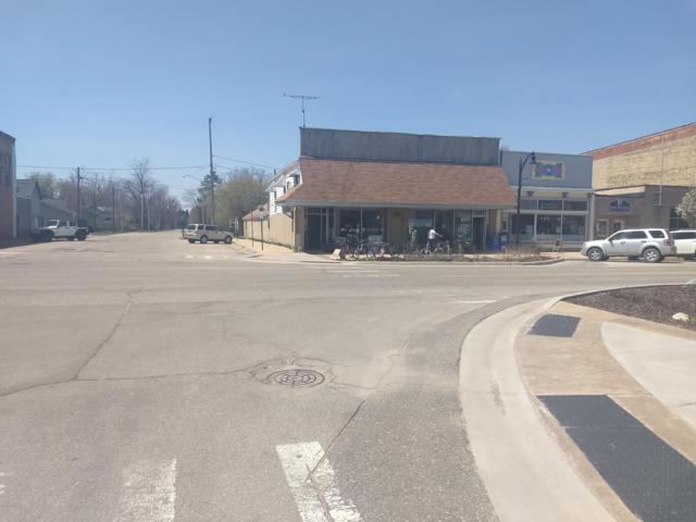 201 N Main Street, Evart, MI 49631 (MLS #18052034) :: JH Realty Partners