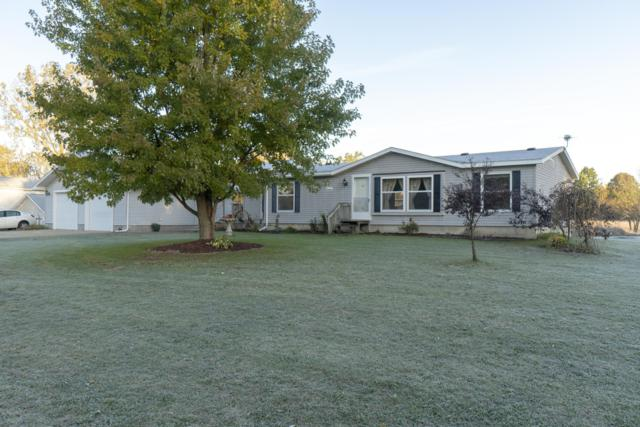1425 16 Mile Rd NW, Kent City, MI 49330 (MLS #18052450) :: Matt Mulder Home Selling Team