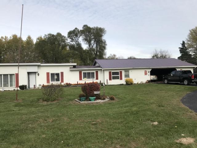 2310 W Howard City Edmore, Six Lakes, MI 48886 (MLS #18052537) :: Deb Stevenson Group - Greenridge Realty