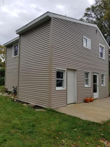66255 Lakeshore Drive, Dowagiac, MI 49047 (MLS #18053046) :: Matt Mulder Home Selling Team