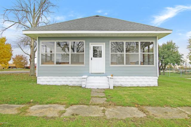156 W Oak Street NE, Sand Lake, MI 49343 (MLS #18053120) :: JH Realty Partners
