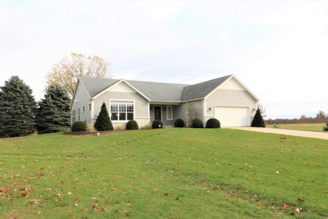 92637 Cr 687, Hartford, MI 49057 (MLS #18053167) :: Matt Mulder Home Selling Team