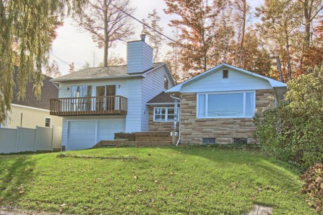 6361 Crystal Avenue Avenue, Beulah, MI 49617 (MLS #18053491) :: Deb Stevenson Group - Greenridge Realty