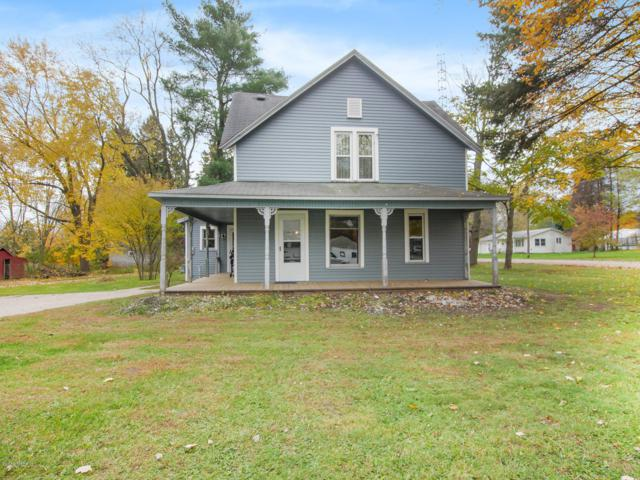 109 W 4th Street, Scottville, MI 49454 (MLS #18053624) :: Deb Stevenson Group - Greenridge Realty