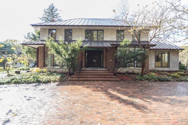 7801 N 46th Street, Augusta, MI 49012 (MLS #18053915) :: Matt Mulder Home Selling Team