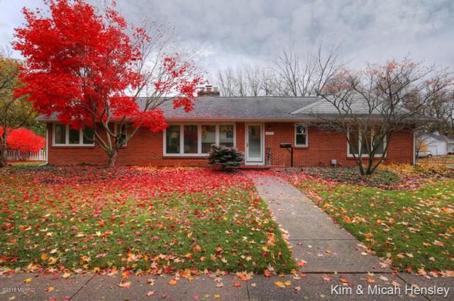 2910 Oakwood Drive SE, East Grand Rapids, MI 49506 (MLS #18054061) :: JH Realty Partners