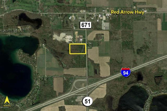 58356 Cr 671, Paw Paw, MI 49079 (MLS #18054364) :: Deb Stevenson Group - Greenridge Realty