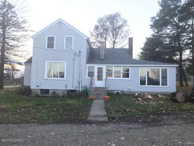 8160 North Street, Holton, MI 49425 (MLS #18054443) :: Matt Mulder Home Selling Team