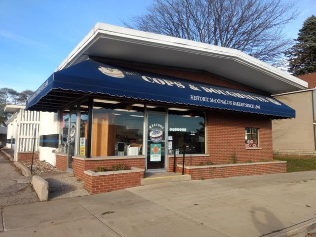 103 E Dowland Street, Ludington, MI 49431 (MLS #18054553) :: Deb Stevenson Group - Greenridge Realty