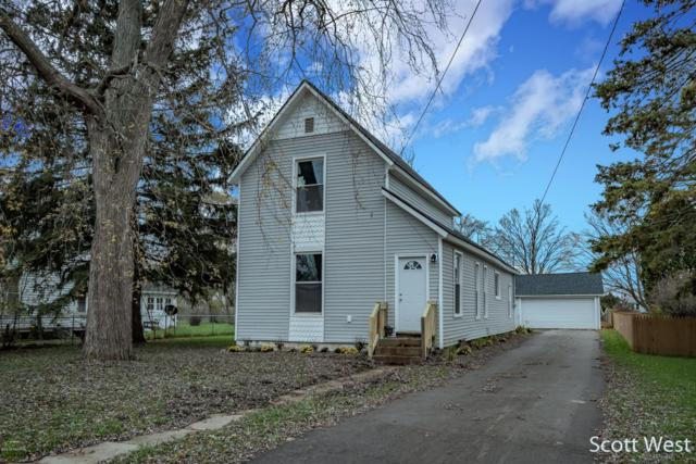 152 S Pleasant Avenue, Lowell, MI 49331 (MLS #18054604) :: Deb Stevenson Group - Greenridge Realty