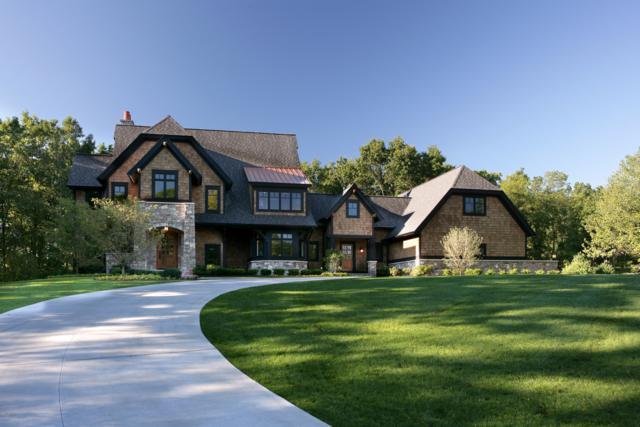 1555 Lookout Farm Drive Drive NE, Ada, MI 49301 (MLS #18054621) :: JH Realty Partners