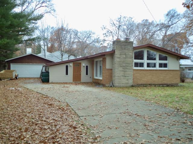 2906 Riverview Avenue, North Muskegon, MI 49445 (MLS #18054988) :: JH Realty Partners