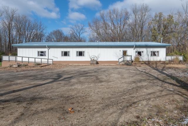 1100 Diller Road, Benton Harbor, MI 49022 (MLS #18055664) :: Deb Stevenson Group - Greenridge Realty