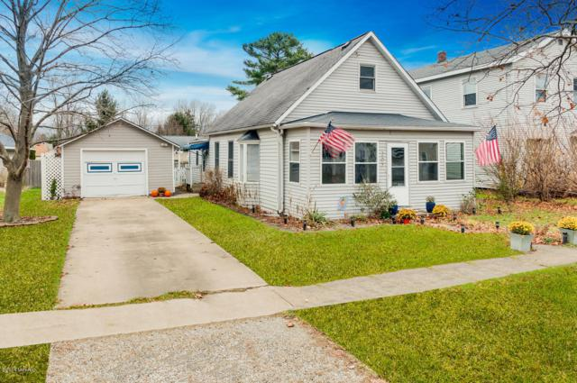 207 E Beech Street, Three Oaks, MI 49128 (MLS #18056126) :: Deb Stevenson Group - Greenridge Realty