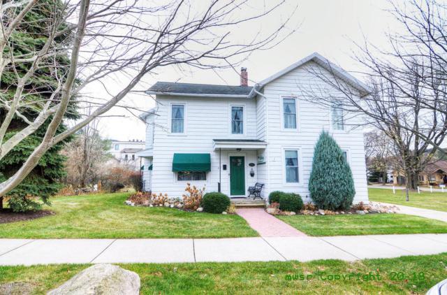 85 W 1st Street, Pentwater, MI 49449 (MLS #18056167) :: Matt Mulder Home Selling Team