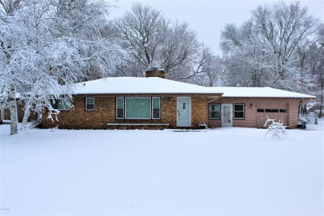 205 Bradford Road, Benton Harbor, MI 49022 (MLS #18056340) :: Deb Stevenson Group - Greenridge Realty