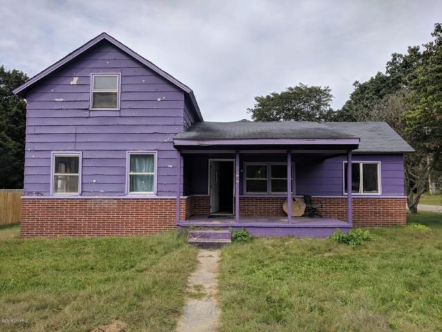 523 E Third Street, Lawton, MI 49065 (MLS #18056433) :: Matt Mulder Home Selling Team