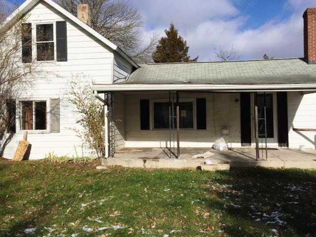 205 Pemberton Avenue, Big Rapids, MI 49307 (MLS #18056438) :: Deb Stevenson Group - Greenridge Realty