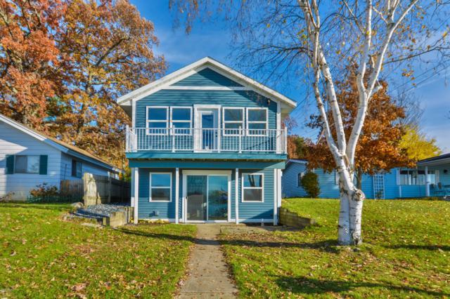 7319 Hessler Court NE, Rockford, MI 49341 (MLS #18056829) :: Matt Mulder Home Selling Team