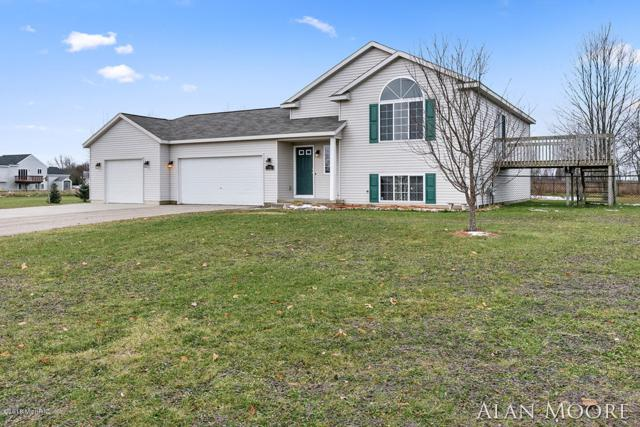 2050 Stag Court NE, Cedar Springs, MI 49319 (MLS #18056976) :: Deb Stevenson Group - Greenridge Realty