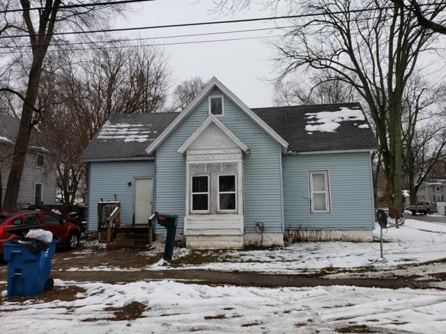 115 Mary Street, Hartford, MI 49057 (MLS #18057060) :: Deb Stevenson Group - Greenridge Realty