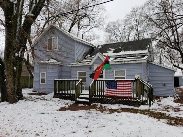 206 Pleasant Street, Hartford, MI 49057 (MLS #18057066) :: Deb Stevenson Group - Greenridge Realty