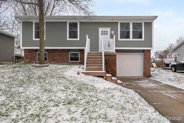 631 Clayton Avenue NW, Grand Rapids, MI 49534 (MLS #18057408) :: Deb Stevenson Group - Greenridge Realty