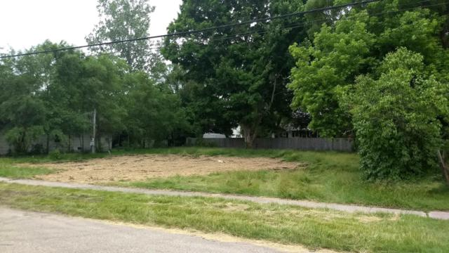 204 N Haver Street, Hartford, MI 49057 (MLS #18057472) :: Deb Stevenson Group - Greenridge Realty
