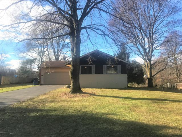 2520 Fairgrove Street, Kalamazoo, MI 49009 (MLS #18057498) :: Deb Stevenson Group - Greenridge Realty