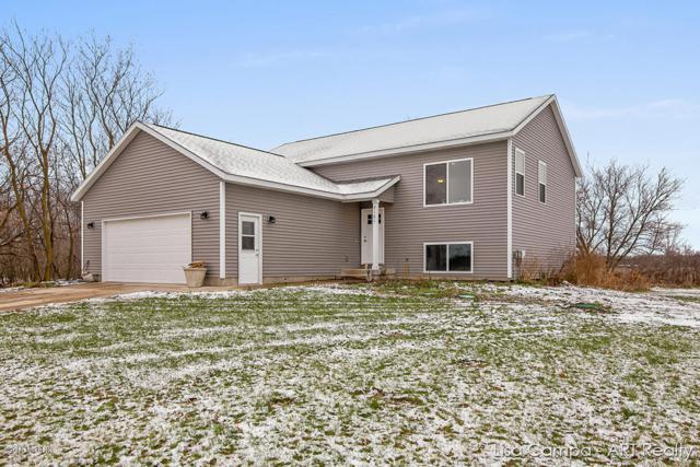 7101 Taylor Street, Hudsonville, MI 49426 (MLS #18057571) :: Matt Mulder Home Selling Team