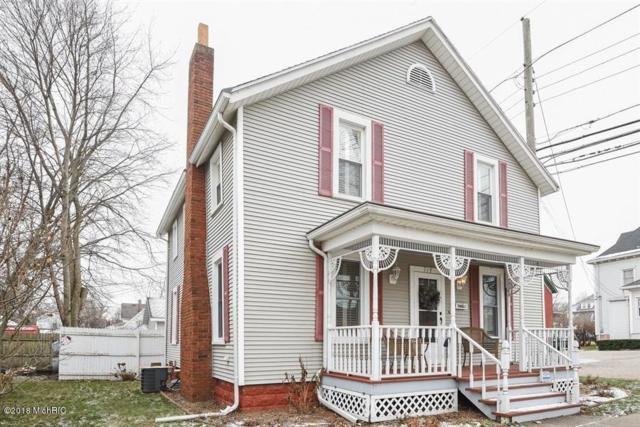 714 Price Street, St. Joseph, MI 49085 (MLS #18058036) :: Deb Stevenson Group - Greenridge Realty