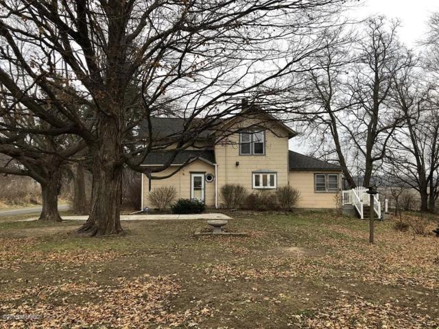 1113 68th Street, South Haven, MI 49090 (MLS #18058188) :: Matt Mulder Home Selling Team