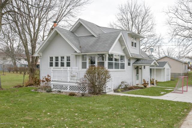 209 Lakeshore Drive, Battle Creek, MI 49015 (MLS #18058275) :: Matt Mulder Home Selling Team