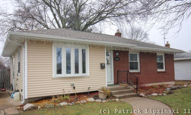 1031 Truxton Drive NE, Grand Rapids, MI 49505 (MLS #18058415) :: Matt Mulder Home Selling Team