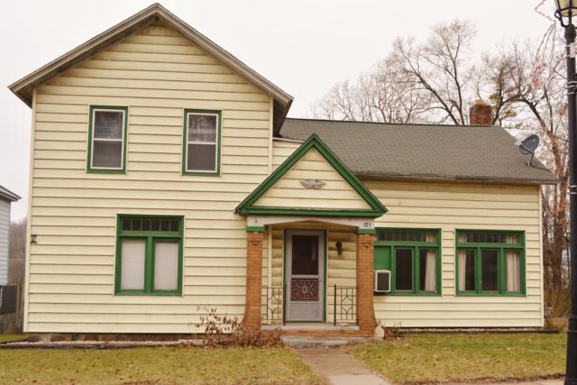 185 W State Road, Newaygo, MI 49337 (MLS #18058417) :: Matt Mulder Home Selling Team