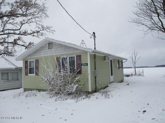 16422 Oak Street, Decatur, MI 49045 (MLS #18058991) :: CENTURY 21 C. Howard