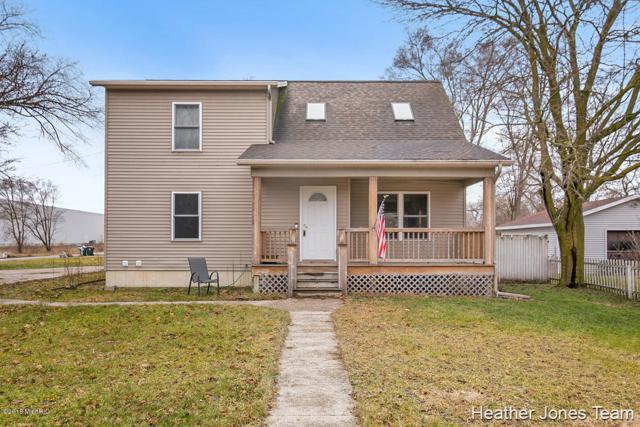 801 N Irving Street, Greenville, MI 48838 (MLS #18059286) :: JH Realty Partners