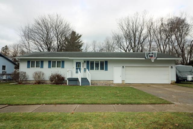 910 E Judd Street, Greenville, MI 48838 (MLS #19000116) :: Matt Mulder Home Selling Team