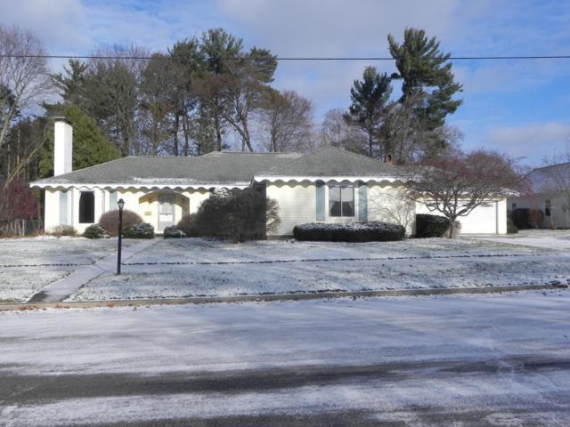 343 E Maple Street, Fremont, MI 49412 (MLS #19000160) :: Matt Mulder Home Selling Team