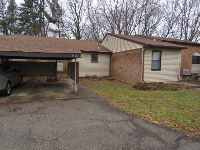 2645 Chatham Woods Drive SE #13, Grand Rapids, MI 49546 (MLS #19000280) :: Matt Mulder Home Selling Team