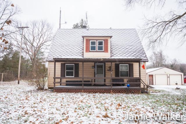 4409 12 Mile Road NE, Rockford, MI 49341 (MLS #19000397) :: Matt Mulder Home Selling Team