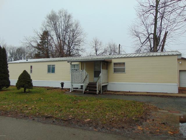 2 W High Street, Bangor, MI 49013 (MLS #19000544) :: Matt Mulder Home Selling Team